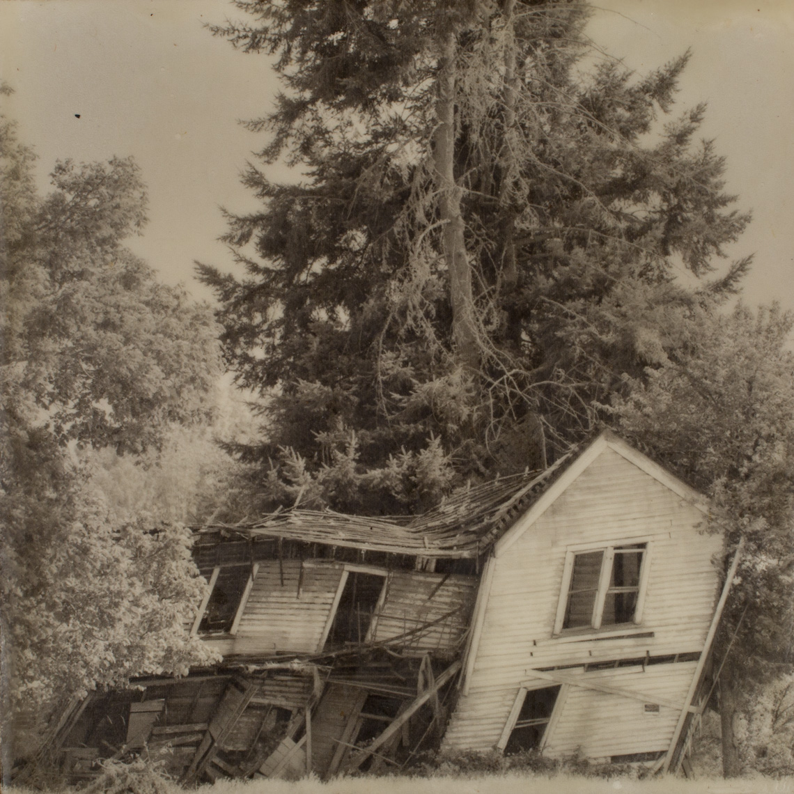 Yamhill, Leaning House
